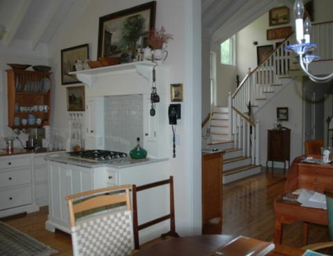kitchen_stove_and_stairway_0